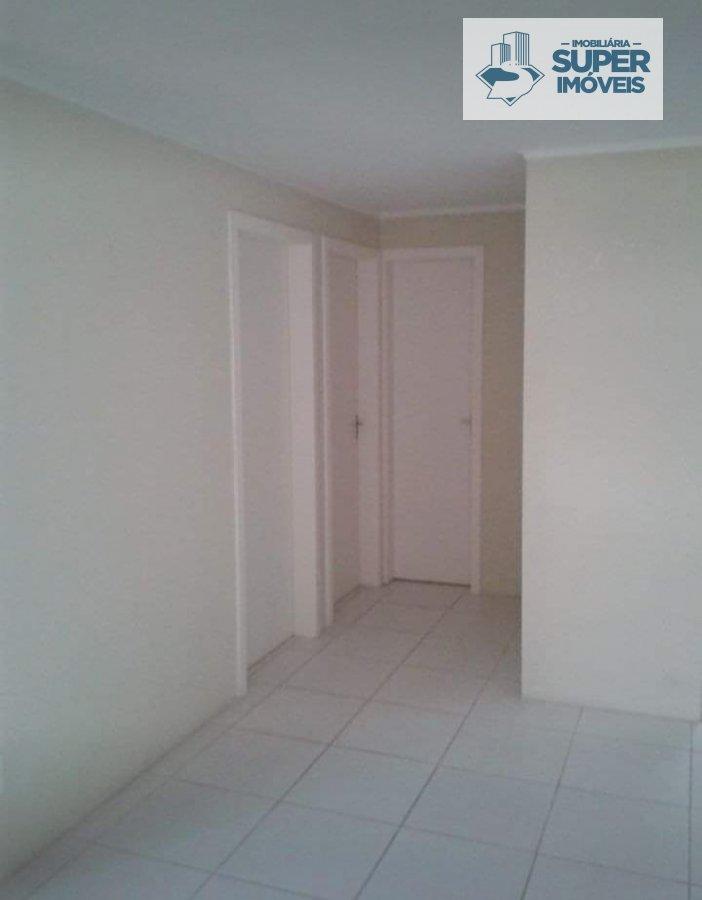 Apartamento a Venda no bairro Três Vendas em Pelotas - RS. 1 banheiro, 2 dormitórios, 1 vaga na garagem, 1 cozinha,  área de serviço,  sala de estar.