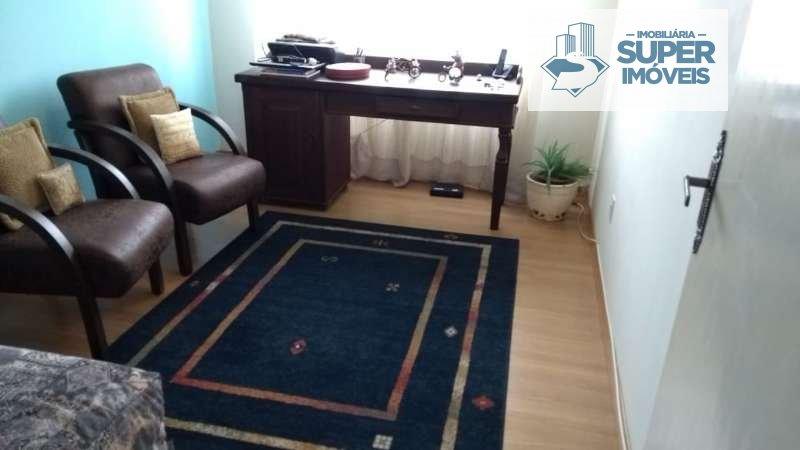 Apartamento a Venda no bairro Centro em Pelotas - RS. 2 banheiros, 3 dormitórios, 1 suíte, 1 vaga na garagem, 1 cozinha,  lavabo,  sala de estar,  sal