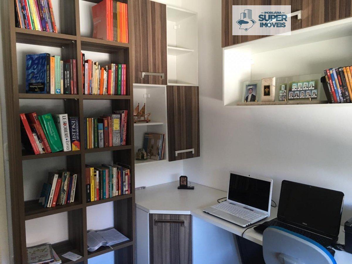 Apartamento a Venda no bairro Três Vendas em Pelotas - RS. 2 banheiros, 3 dormitórios, 1 vaga na garagem, 1 cozinha,  copa,  lavabo,  sala de estar,