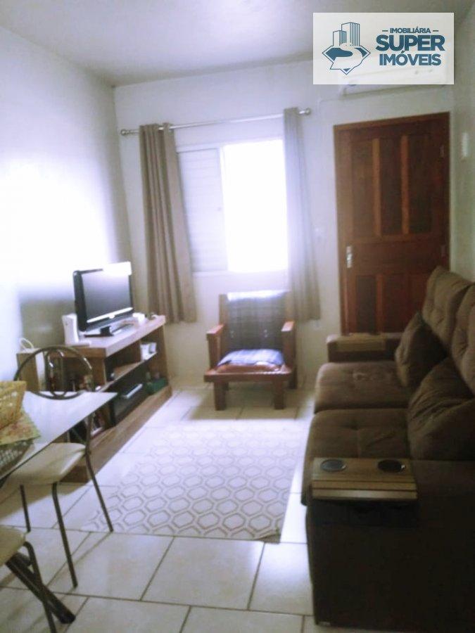Casa a Venda no bairro Centro em Capão do Leão - RS. 1 banheiro, 1 dormitório, 2 vagas na garagem, 1 cozinha,  área de serviço,  sala de estar,  sala