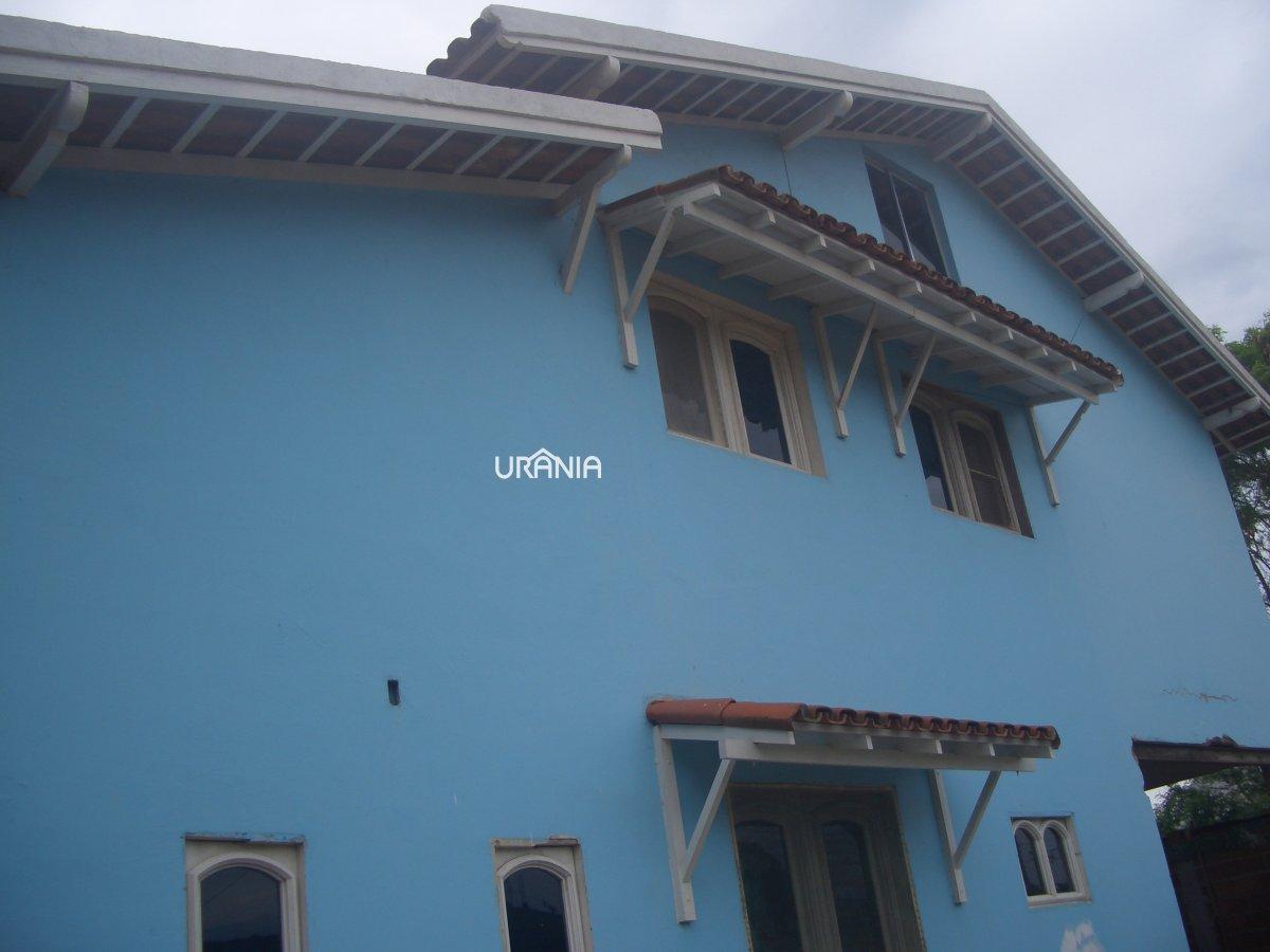 Casa a Venda no bairro Santa Paula em Vila Velha - ES. 2 banheiros, 3 dormitórios, 5 vagas na garagem, 1 cozinha,  área de serviço,  sala de tv,  sala
