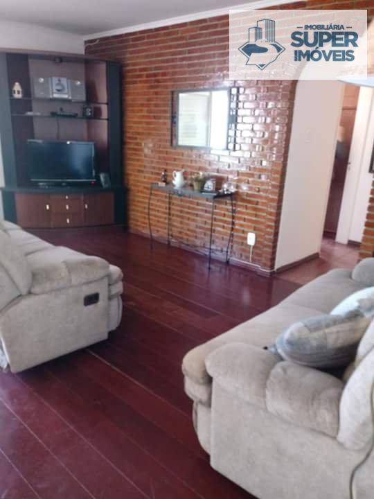Apartamento a Venda no bairro Centro em Pelotas - RS. 2 banheiros, 2 dormitórios, 1 cozinha,  área de serviço,  sala de estar,  sala de tv,  sala de j