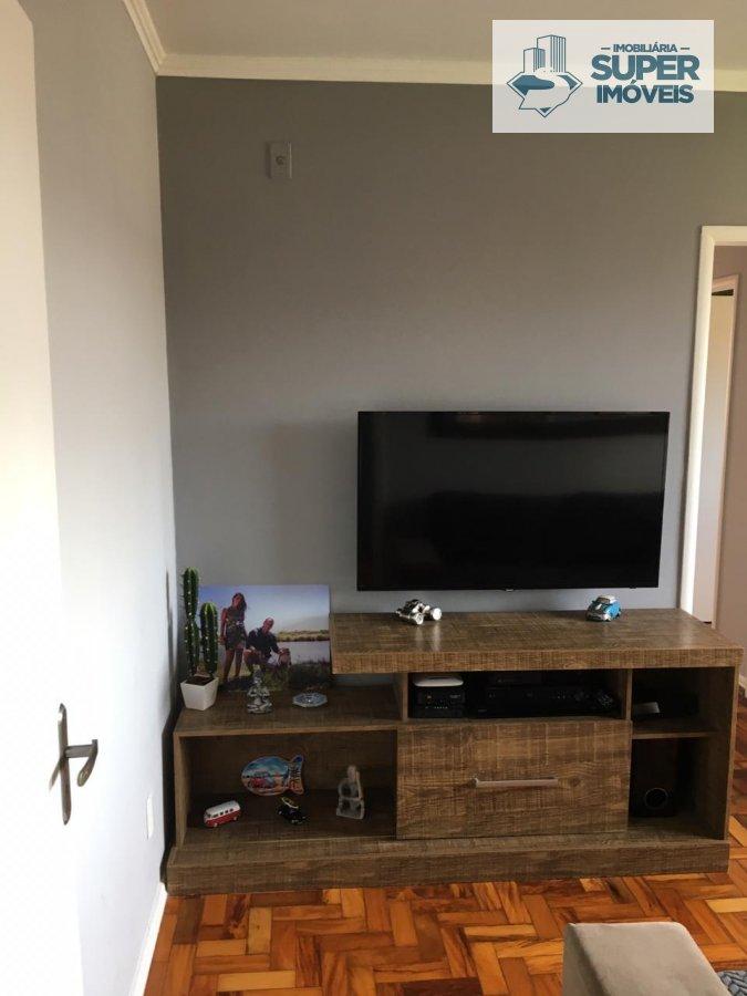 Apartamento a Venda no bairro Fragata em Pelotas - RS. 1 banheiro, 3 dormitórios, 1 cozinha,  área de serviço,  sala de estar,  sala de jantar.  - 124