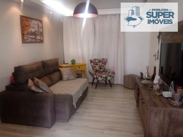 Apartamento a Venda no bairro Fragata em Pelotas - RS. 1 banheiro, 3 dormitórios, 1 vaga na garagem, 1 cozinha,  área de serviço,  sala de estar,  sal