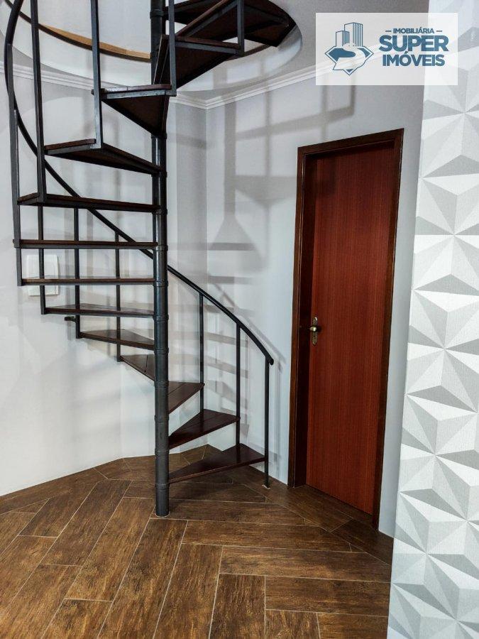 Apartamento a Venda no bairro Centro em Pelotas - RS. 2 banheiros, 3 dormitórios, 1 suíte, 1 vaga na garagem, 1 cozinha,  área de serviço,  copa,  sal