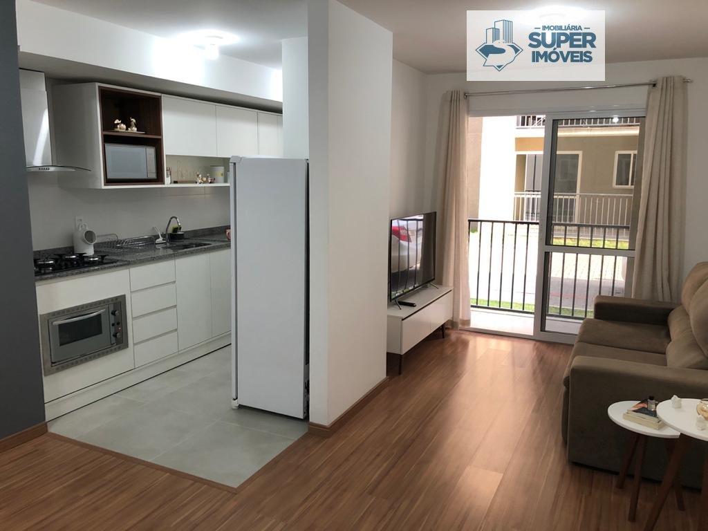 Apartamento a Venda no bairro Três Vendas em Pelotas - RS. 1 banheiro, 1 dormitório, 1 vaga na garagem, 1 cozinha,  área de serviço,  sala de estar,