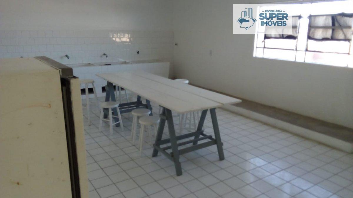 Apartamento a Venda no bairro Centro em Pelotas - RS. 2 banheiros, 2 dormitórios, 2 vagas na garagem, 1 cozinha,  área de serviço,  sala de estar,  sa