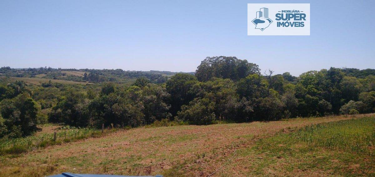 Chácara a Venda no bairro Centro em Capão do Leão - RS. 1 banheiro, 2 dormitórios, 1 cozinha,  área de serviço,  sala de estar,  sala de jantar.  - 15