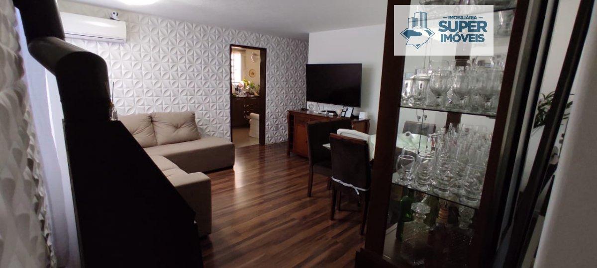 Apartamento a Venda no bairro Areal em Pelotas - RS. 2 banheiros, 3 dormitórios, 1 vaga na garagem, 1 cozinha,  área de serviço,  sala de estar,  sala