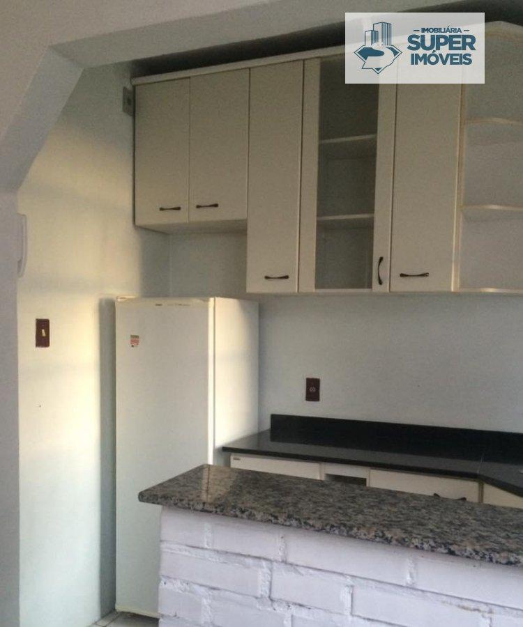 Apartamento a Venda no bairro Centro em Pelotas - RS. 1 banheiro, 1 dormitório, 1 cozinha,  sala de estar.  - 2072