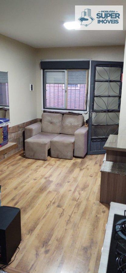 Apartamento a Venda no bairro São Gonçalo em Pelotas - RS. 1 banheiro, 1 dormitório, 1 vaga na garagem, 1 cozinha,  área de serviço,  sala de estar,