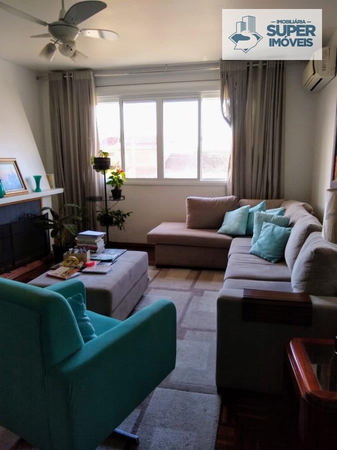 Apartamento a Venda no bairro Areal em Pelotas - RS. 2 banheiros, 3 dormitórios, 1 suíte, 2 vagas na garagem, 1 cozinha,  área de serviço,  sala de es