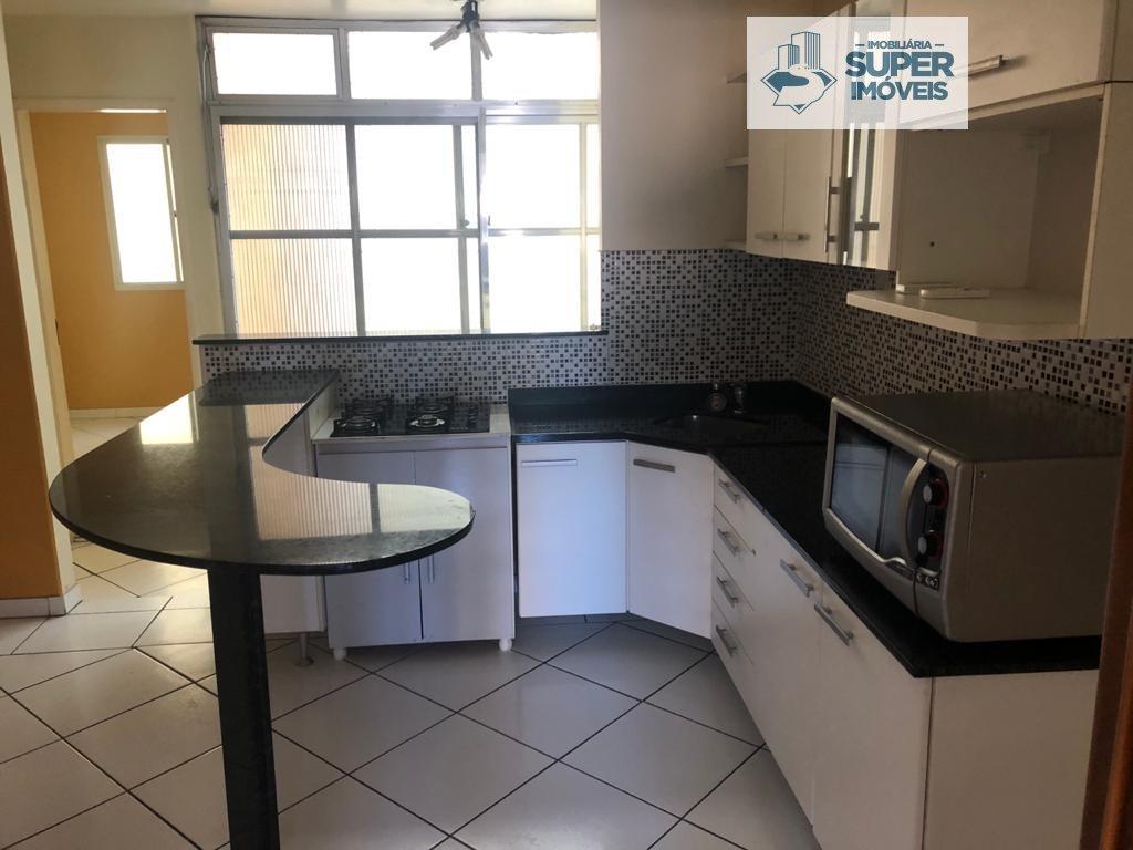 Apartamento a Venda no bairro Centro em Pelotas - RS. 2 banheiros, 3 dormitórios, 1 vaga na garagem, 1 cozinha,  área de serviço,  lavabo,  sala de es