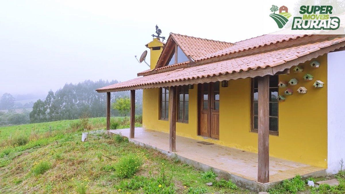Chácara a Venda no bairro Centro em Morro Redondo - RS. 1 banheiro, 1 dormitório, 1 cozinha,  lavabo,  sala de estar,  escritório.  - 1361